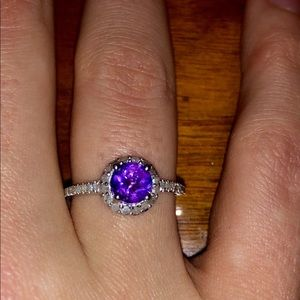 WOW AMETHYST AND DIAMOND RING